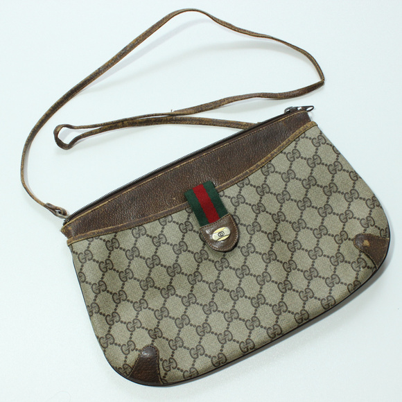 ddfef6d4b2 Gucci Bags | Vtg Gg Monogram Accessory Collection Sling | Poshmark